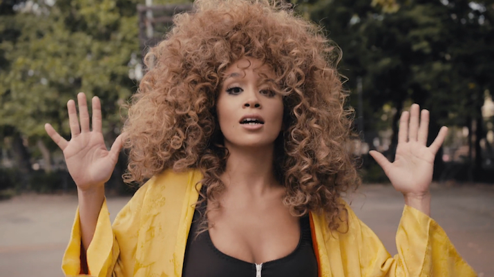 Jillian Hervey, frontwoman of Lionbabe, is a Eugene Lang alumna
