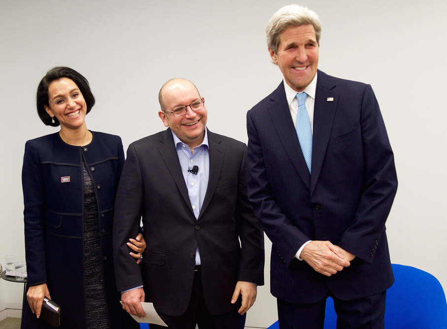 Washington Post reporter Jason Rezaian with his wife, Yeganeh Salehi, and U.S. Secretary of State John Kerry following his release from Iranian authorities. (State Department photo)
