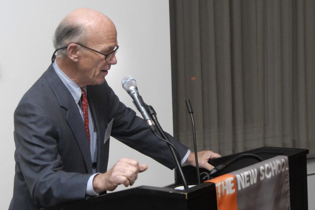 Robert Mundheim speaking at the President's Council Awards