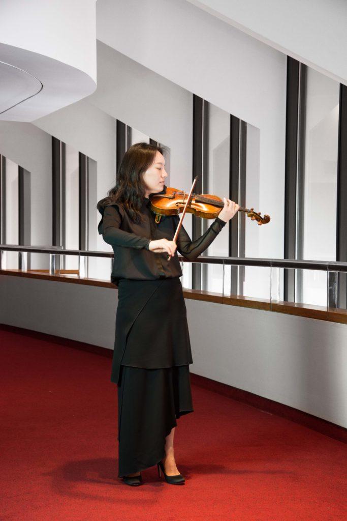 Angela Lee, Violin